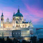 paisaje-catedral-santa-maria-real-almudena-palacio-real_73503-435